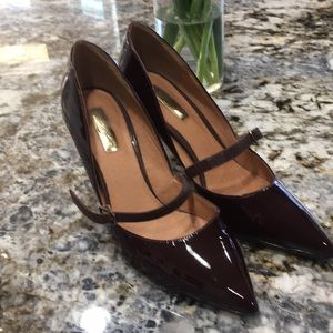 """Pre-owned Halogen 3.5"""" heel sz 7.5 like new cond"""